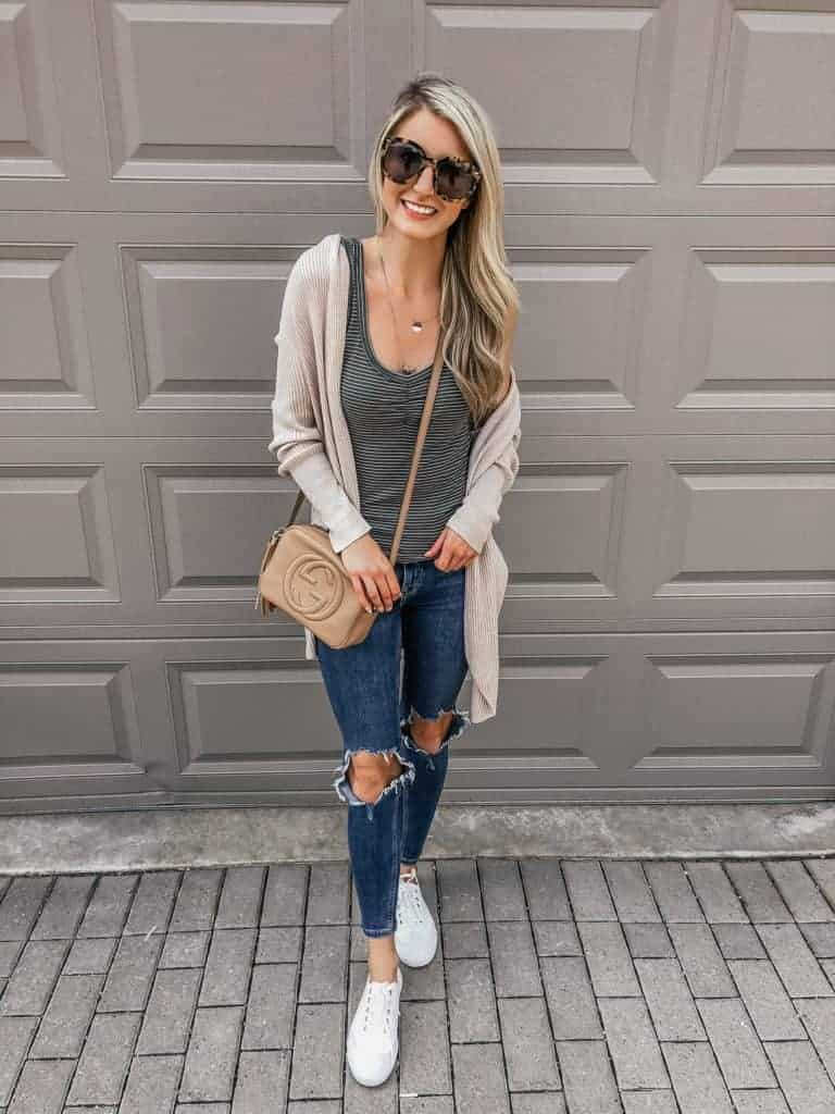 fall outfit, fall outfit women, fall outfit 2018, fall sweater, fall sweaters women, fall sweaters 2018, casual look, casual fall outfit casual look women, cacoon sweater, fall look, fall fashion, 18 fall outfits, fashion blogger, prada & pearls, fall outfits, fall outfit ideas, white sneakers, white sneaker outfit, sneaker outfit