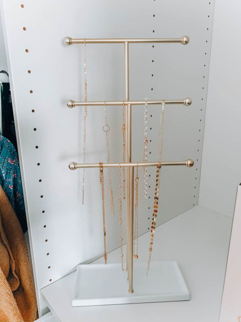 prada and pearls, fashion blogger, amazon, amazon things to buy, amazon must haves, amazon fashion, amazon style, necklace organizer, necklace stand, organizer, amazon organizer