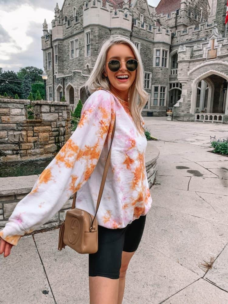 fall transition outfits, fall outfit, fall transition outfits casual, fall outfits women, biker shorts, biker shorts outfit, tie dye sweater, tie dye outfit, outfit roundup, Prada and pearls