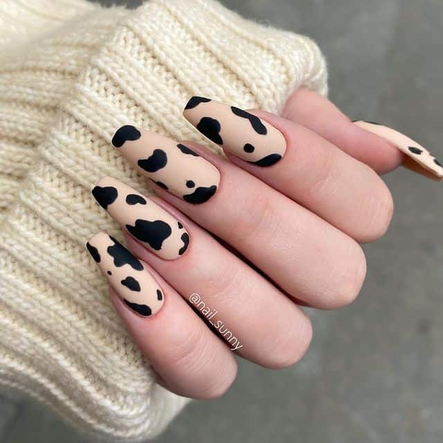matte nails, matte nails coffin, matte nails acrylic, matte nails design, matte nails black, matte nails spotted, matte nails art