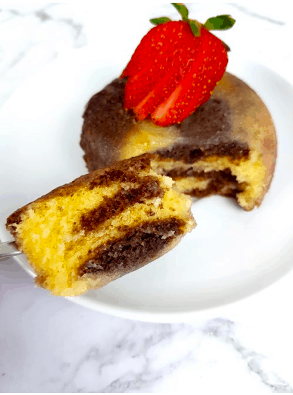Keto dessert recipes, keto dessert recipe, keto dessert easy, keto diet, ketogenic diet, low carb dessert, keto mug cake coconut flour, keto mug cake chocolate, keto mug cake almond flour, Keto mug cake microwave, prada and pearls