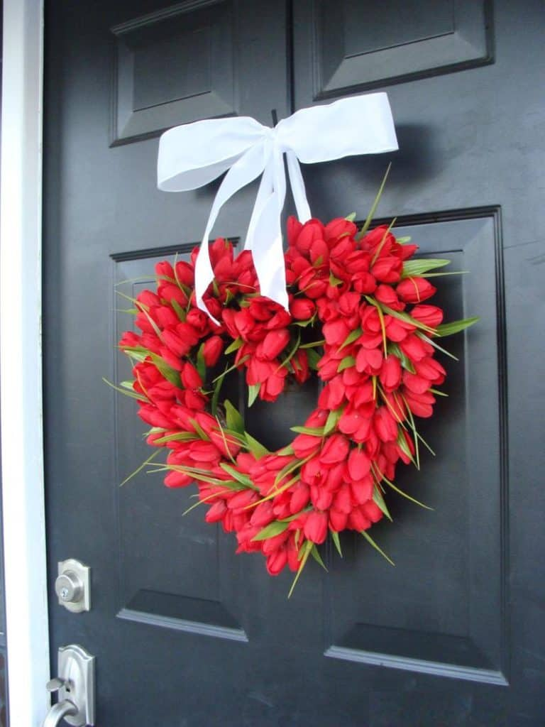 valentines day wreath, valentines day, valentines day decorations, valentines day wreath DIY, valentines day wreath mesh, valentines day wreath ideas, valentines day wreath diy front doors, valentines day decorations for home, wreaths for front door, red wreath, heart wreath, heart wreath DIY, tulip wreath