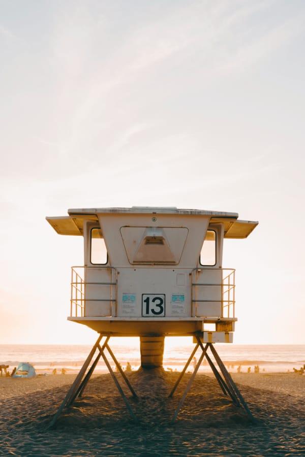 California wallpaper, beach wallpaper, lifeguard tower, cali life, sunset wallpaper