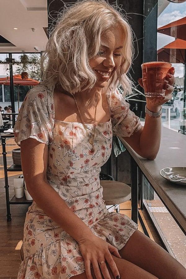 spring outfits 2021, spring dress, floral dress, floral dress 2021, neutral floral dress, blonde short hair style