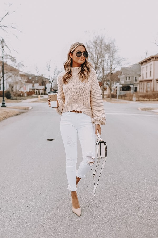 neutral outfit, neutral style, how to style white denim, beige sweater