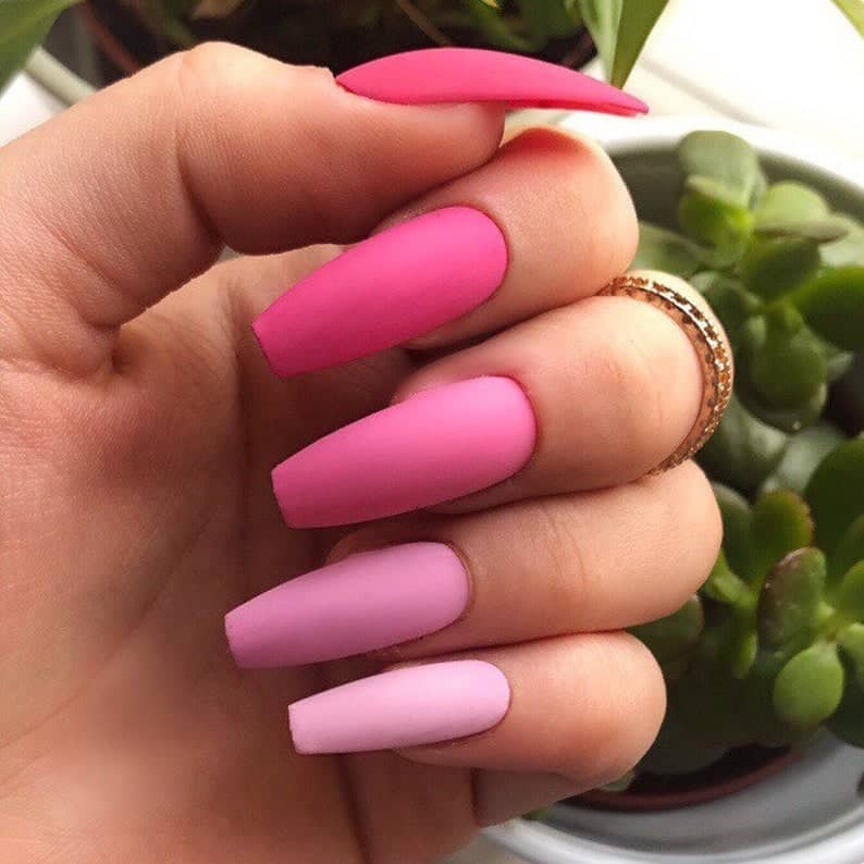 press on nails, best press on nails 2021, cute press on nails, press on nail designs, press on nails short, press on nails coffin, press on nail designs pink, spring press on nails, abstract press on nails, ombre nails, matte nails