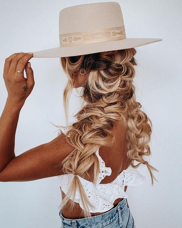 braided hairstyle, long braided hairstyle, boho braids, boho braids hairstyle, easy braided hairstyle, wedding hair, wedding hairstyles, braided wedding hair, braids for long hair, braided hairstyles for wedding, braided hairstyles for long hair, pigtail hairstyles, pigtail hair