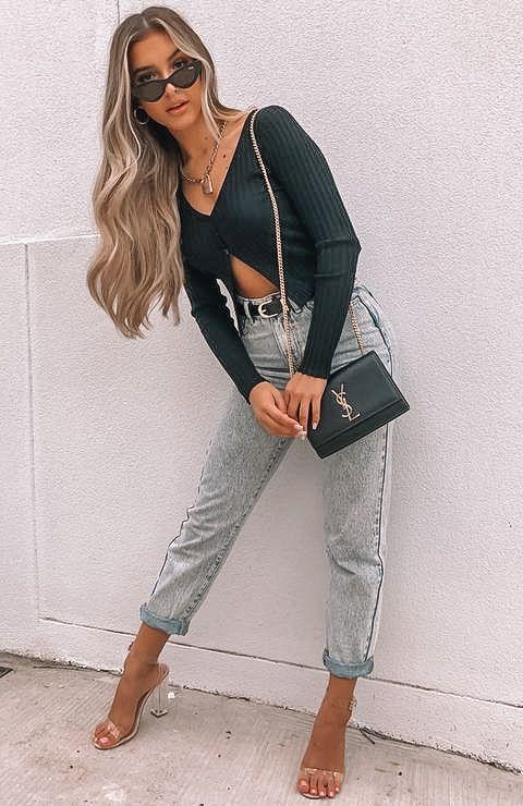 crop top, crop top outfit, crop top pattern, crop top outfit ideas, crop top fashion, black crop top, crop top with jeans