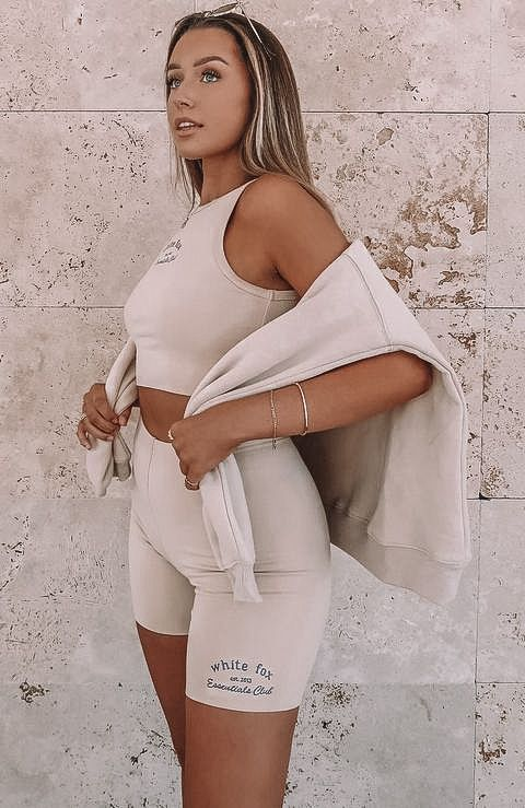 biker shorts, biker shorts outfit, biker shorts outfit summer, biker shorts outfit baddie, biker shorts street style, neutral outfit women