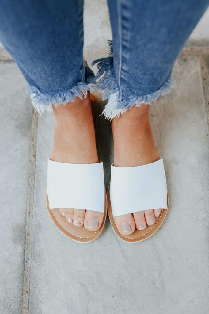 spring sandals, sandals, waffle sandals, spring sandals 2021, spring sandals flats, white slides, slide sandals, white slide sandals
