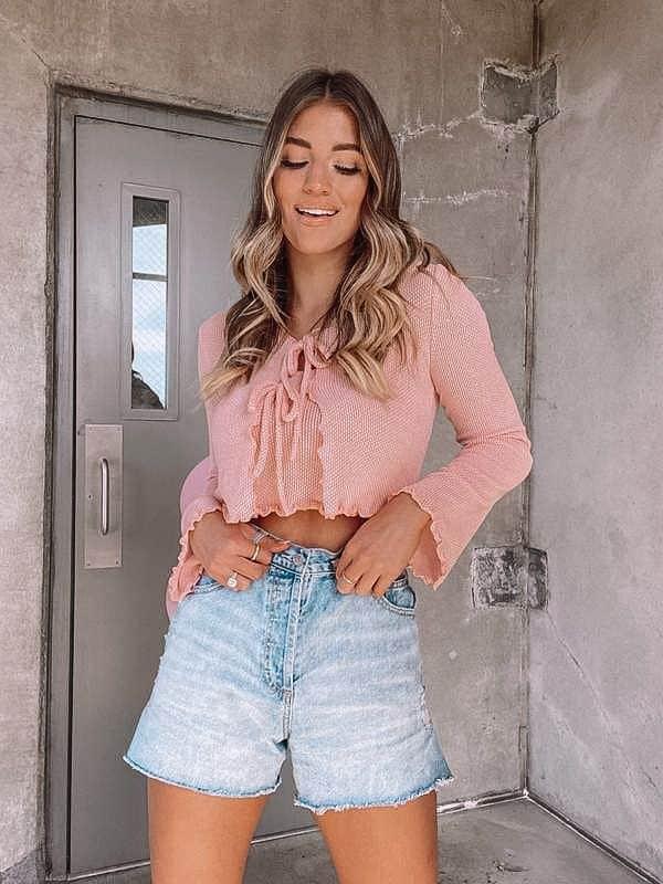 crop top, crop top outfit, crop top pattern, crop top outfit ideas, crop top fashion, pink crop top