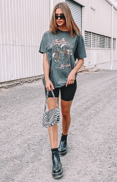 biker shorts, biker shorts outfit, biker shorts outfit summer, biker shorts outfit baddie, biker shorts street style, graphic tee outfit