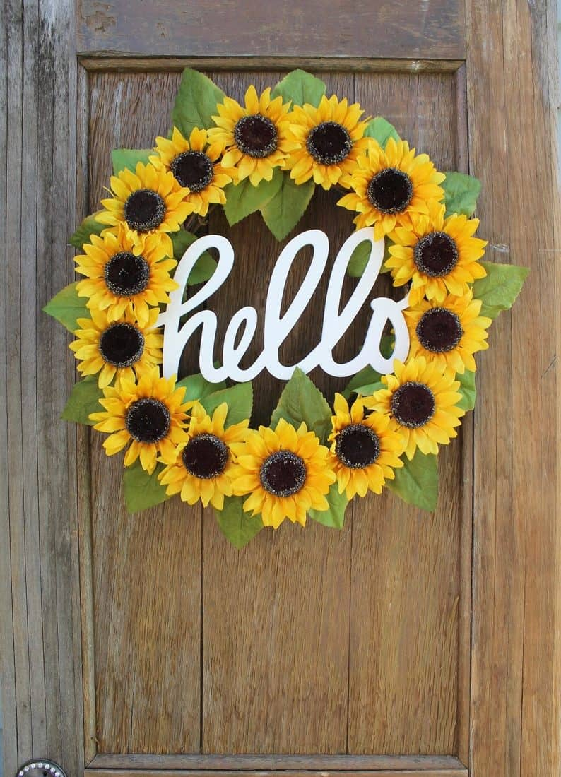 50+ Summer Wreaths You Need For Your Front Door!
