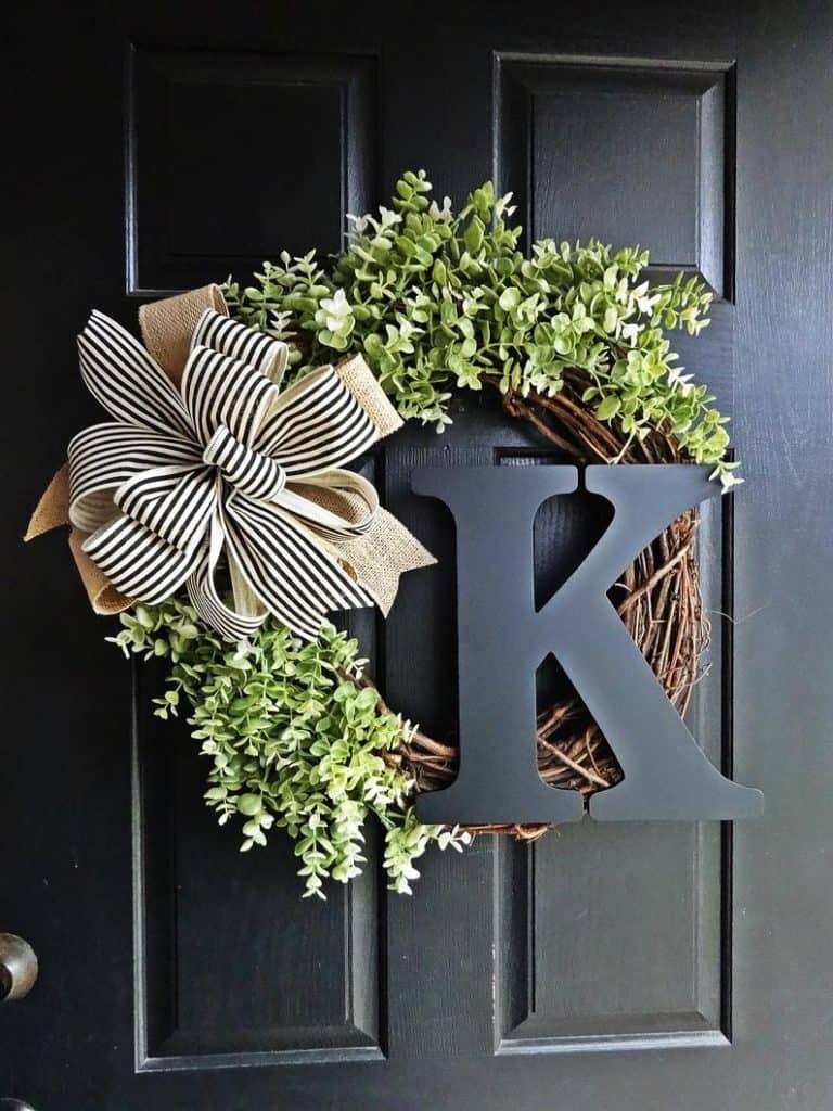 summer wreath, summer wreath ideas, summer wreath DIY, summer wreaths for front door, floral wreath, wreaths for front door, wreath ideas, monogrammed wreath