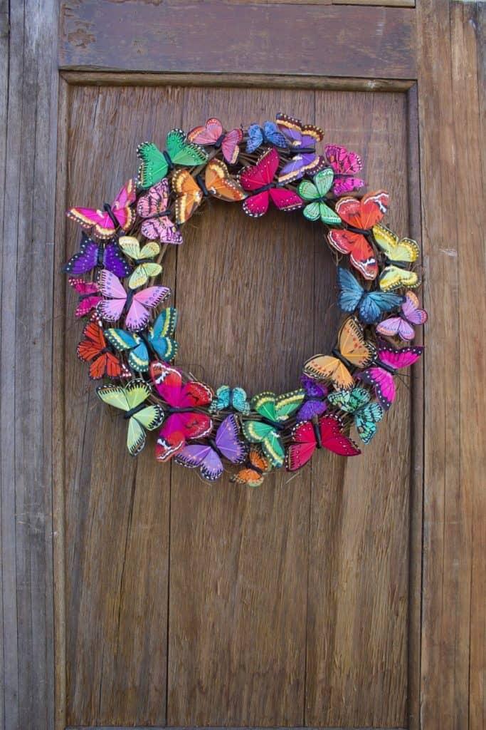 summer wreath, summer wreath ideas, summer wreath DIY, summer wreaths for front door, floral wreath, wreaths for front door, wreath ideas, butterfly wreath