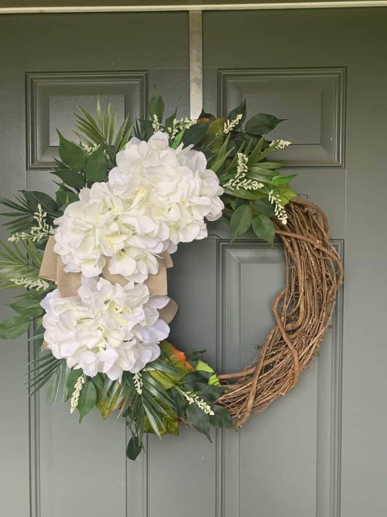 summer wreath, summer wreath ideas, summer wreath DIY, summer wreaths for front door, floral wreath, wreaths for front door, wreath ideas, white peonies wreath, peonies wreath