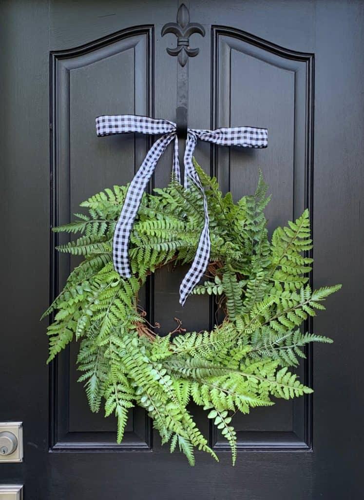 summer wreath, summer wreath ideas, summer wreath DIY, summer wreaths for front door, floral wreath, wreaths for front door, wreath ideas, fern wreath, green wreath