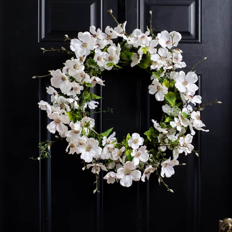 summer wreath, summer wreath ideas, summer wreath DIY, summer wreaths for front door, floral wreath, wreaths for front door, wreath ideas, white wreath, white floral wreath