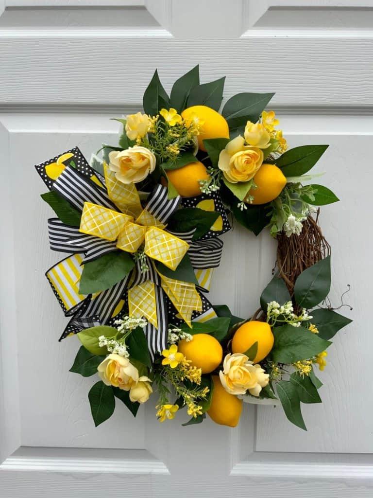 summer wreath, summer wreath ideas, summer wreath DIY, summer wreaths for front door, floral wreath, wreaths for front door, wreath ideas, lemon wreath, yellow wreath