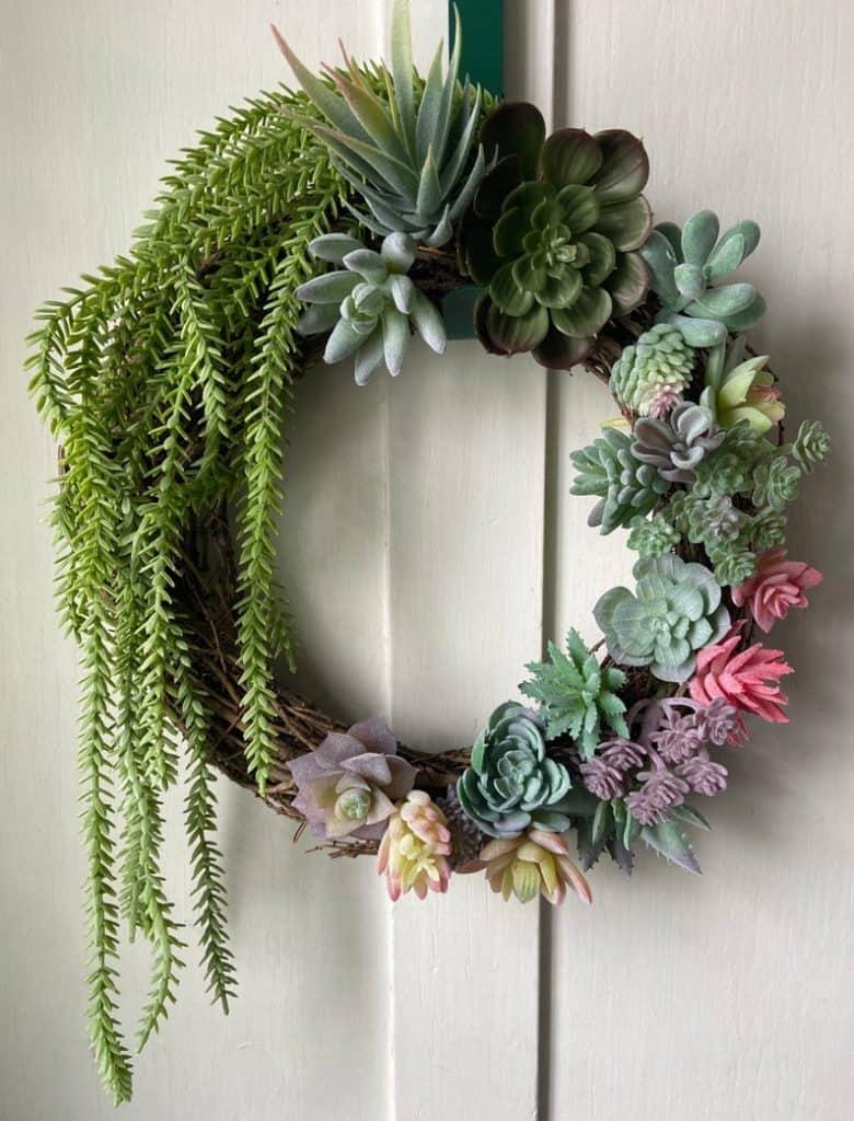summer wreath, summer wreath ideas, summer wreath DIY, summer wreaths for front door, floral wreath, wreaths for front door, wreath ideas, succulent wreath
