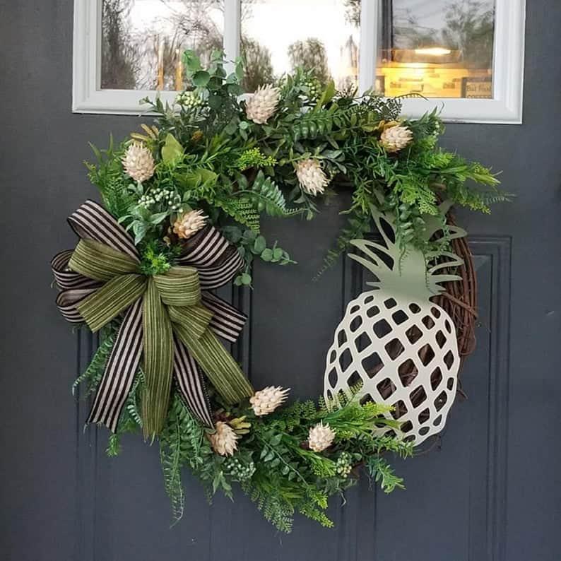 summer wreath, summer wreath ideas, summer wreath DIY, summer wreaths for front door, floral wreath, wreaths for front door, wreath ideas, pineapple wreath
