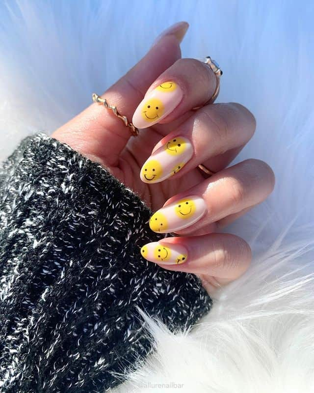 vacation nails, vacation nails acrylic, vacation nails simple, vacation nails 2021, beach nails, beachy nails, beach nails vacation, beach nail designs, smiley face nails, smile nails, yellow smile nails