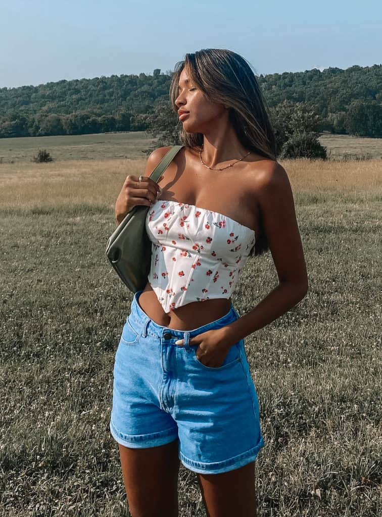 corset outfit, corset, corset top outfit, corset outfit aesthetic, corset top, corset outfit ideas, corset outfit street style, floral corset, floral corset outfit
