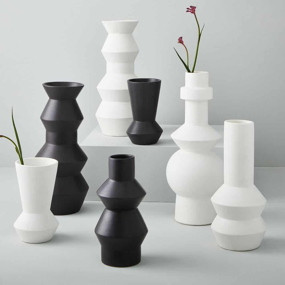 vase, vase decorating ideas, vases decor, vase filler ideas, DIY vase, flower vase, flower vases, ceramic vase, modern decor, black vase, white vase