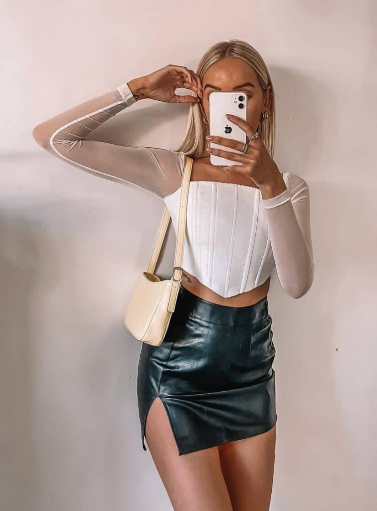 corset outfit, corset, corset top outfit, corset outfit aesthetic, corset top, corset outfit ideas, corset outfit street style, white corset, white corset outfit