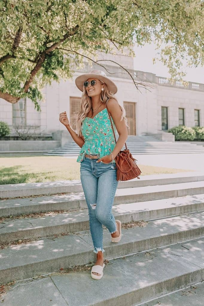 casual summer outfits, casual summer outfits for women, casual summer outfits for teens, summer outfits, summer outfits 2021, summer outfits aesthetic, floral top outfit