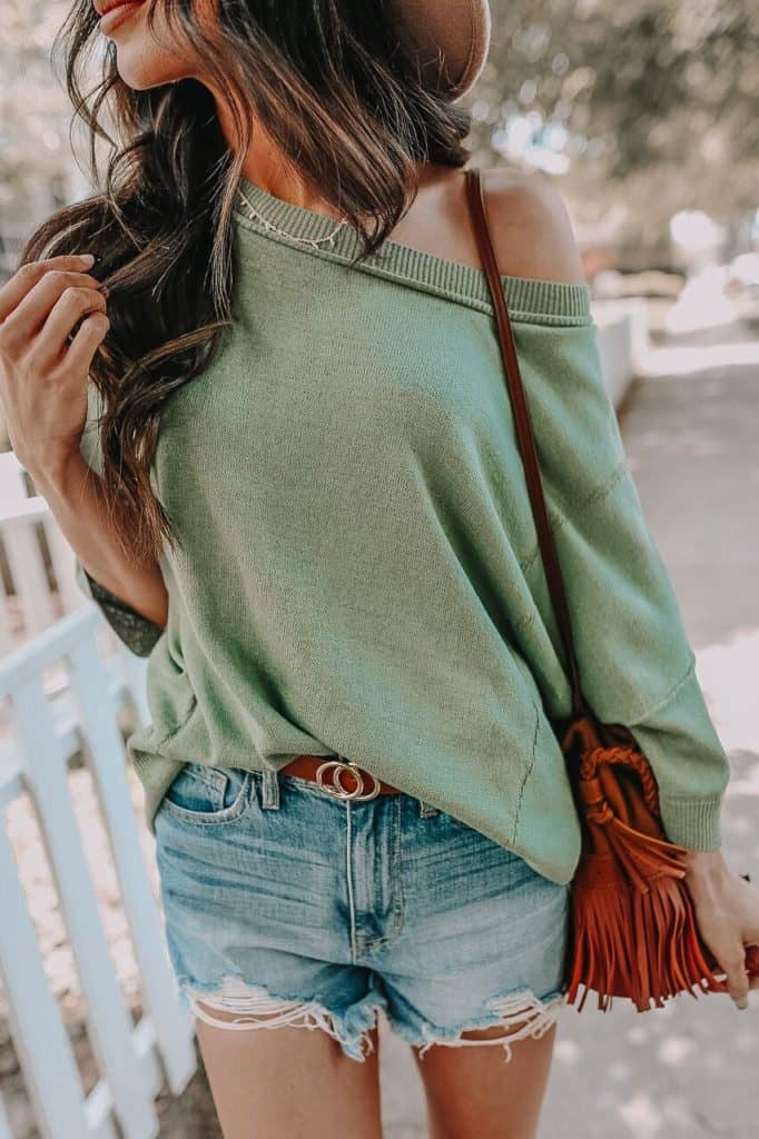 casual summer outfits, casual summer outfits for women, casual summer outfits for teens, summer outfits, summer outfits 2021, summer outfits aesthetic, denim shorts outfit, one shoulder sweater outfit
