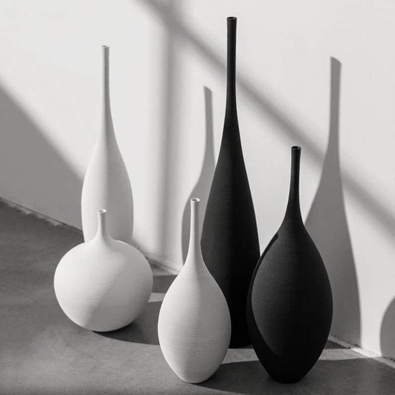 vase, vase decorating ideas, vases decor, vase filler ideas, DIY vase, flower vase, flower vases, ceramic vase, modern decor, black vase, white vase, matte vase
