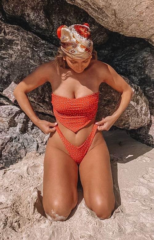 summer swimwear, summer swimsuit outfits, summer swim, summer swimwear aesthetic, summer swimsuit outfits, summer swimsuits 2021, bandeau swimsuit, red swimsuit, red bikini