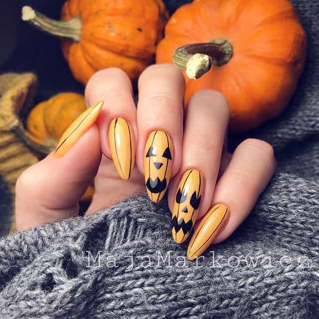 halloween nails, halloween nails acrylic, halloween nails ideas, halloween nails short, halloween nails simple, halloween nails easy, halloween nails 2021, halloween nails acrylic coffin, pumpkin nails, pumpkin nail art, jack-o-lantern nails
