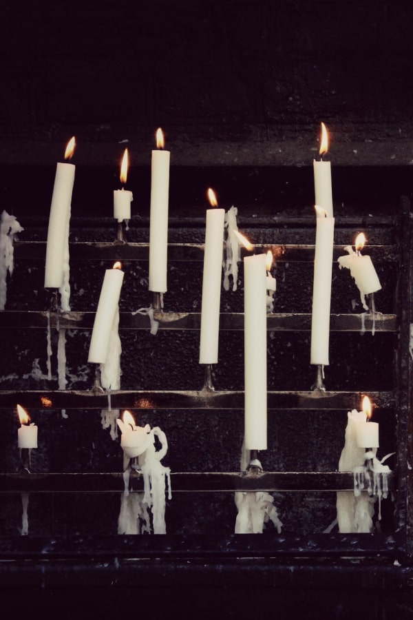 dark academia, dark academia wallpaper, dark academia aesthetic, dark academia background, dark academia background iPhone, dark academia wallpaper iPhone, white candles