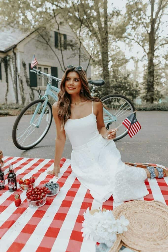 4th of July, 4th of July outfits for women, 4th of July outfits for women party, 4th of July outfits for teenagers, 4th of July outfits for women summer, 4th of July fashion, 4th of July looks, patriotic outfit, patriotic outfits for women, white skirt outfit, white outfit
