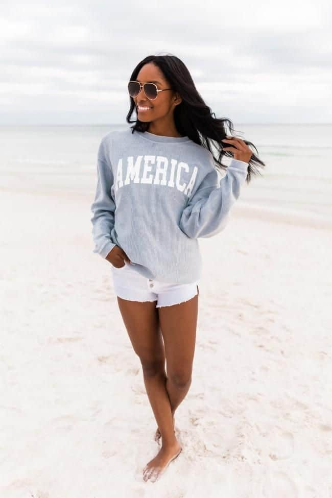 4th of July, 4th of July outfits for women, 4th of July outfits for women party, 4th of July outfits for teenagers, 4th of July outfits for women summer, 4th of July fashion, 4th of July looks, patriotic outfit, patriotic outfits for women, summer graphic tee, graphic tee outfit, America sweater