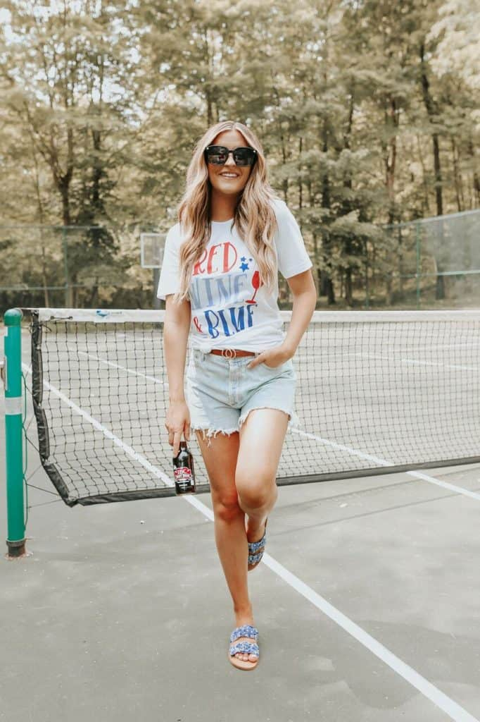 4th of July, 4th of July outfits for women, 4th of July outfits for women party, 4th of July outfits for teenagers, 4th of July outfits for women summer, 4th of July fashion, 4th of July looks, patriotic outfit, patriotic outfits for women, graphic tee outfit