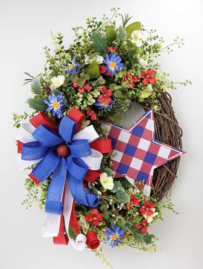 4th of July, 4th of July decorations, 4th of July wreath, 4th of July wreaths for front door, 4th of July wreath DIY, patriotic wreath, patriotic wreath ideas, patriotic wreaths for front door, star wreath, floral wreath