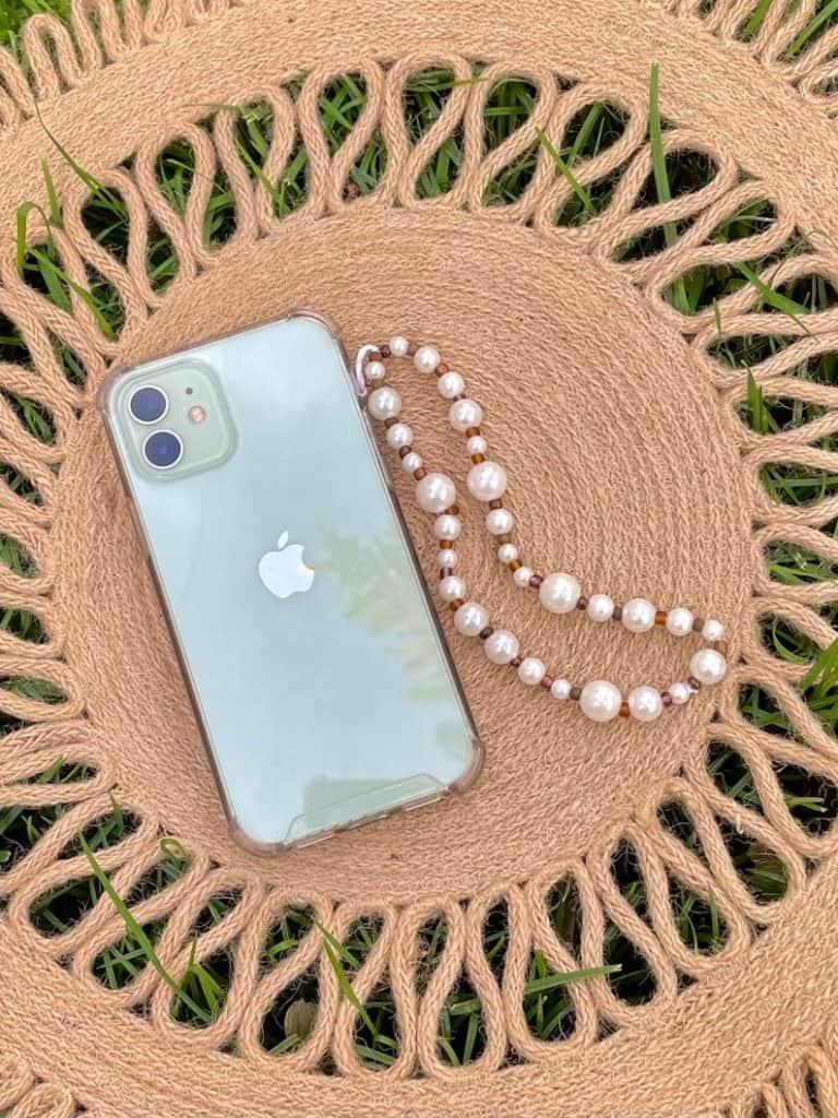 phone charm, phone charm DIY, phone charm aesthetic, phone charms beads, phone charm strap, phone charm ideas, 90s phone charm, YTK phone charm, phone chain, pearl phone charm