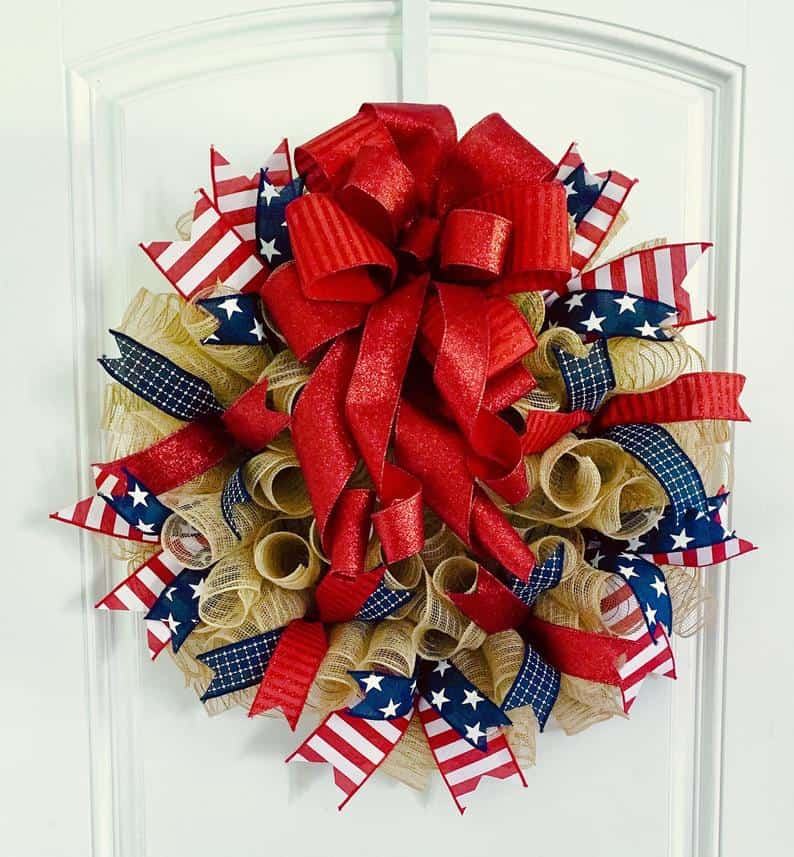 4th of July, 4th of July decorations, 4th of July wreath, 4th of July wreaths for front door, 4th of July wreath DIY, patriotic wreath, patriotic wreath ideas, patriotic wreaths for front door, 4th of July burlap wreath