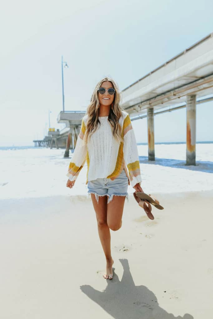 casual summer outfits, casual summer outfits for women, casual summer outfits for teens, summer outfits, summer outfits 2021, summer outfits aesthetic, summer sweater outfit, casual sweater outfit, denim shorts outfit