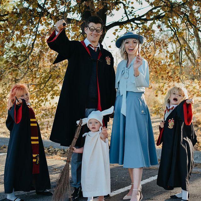 halloween costume, halloween costume family, halloween costume family ideas, family halloween costumes, halloween costumes family for 6, family halloween costumes with kids, halloween costumes family with kids, Harry Potter costume, Harry Potter costume for family, family halloween costume for 5