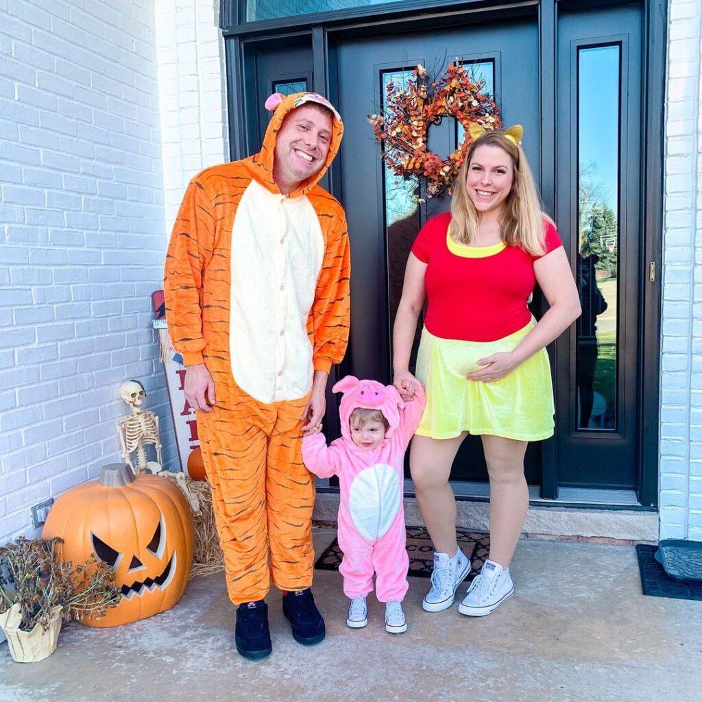 halloween costume, halloween costume family, halloween costume family ideas, family halloween costumes, halloween costumes family for 6, family halloween costumes with kids, halloween costumes family with kids, halloween costume for 3, family halloween costume for 3, Winnie the Pooh halloween costume, Winnie the Pooh family costume