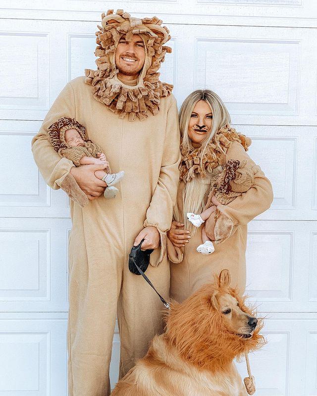 halloween costume, halloween costume family, halloween costume family ideas, family halloween costumes, halloween costumes family for 6, family halloween costumes with kids, halloween costumes family with kids, family halloween costume for 4, halloween costume family of 4, lion costume, lion family costume