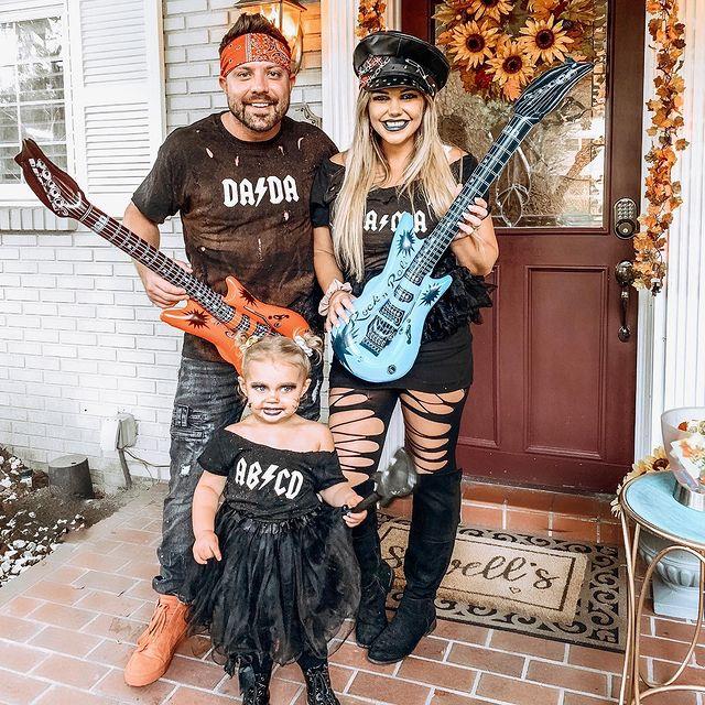 halloween costume, halloween costume family, halloween costume family ideas, family halloween costumes, halloween costumes family for 6, family halloween costumes with kids, halloween costumes family with kids, rock band halloween costume, family halloween costume for 3, halloween costume for 3
