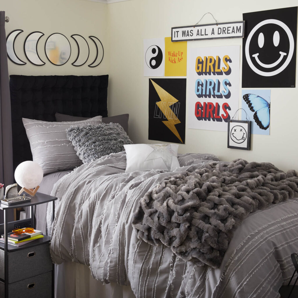 college dorm room, college dorm room ideas, dorm room ideas, dorm room designs, dorm room organization, dorm room decor, dorm room ideas university, dorm room ideas for girls college, dorm room hacks, dorm room ideas aesthetic