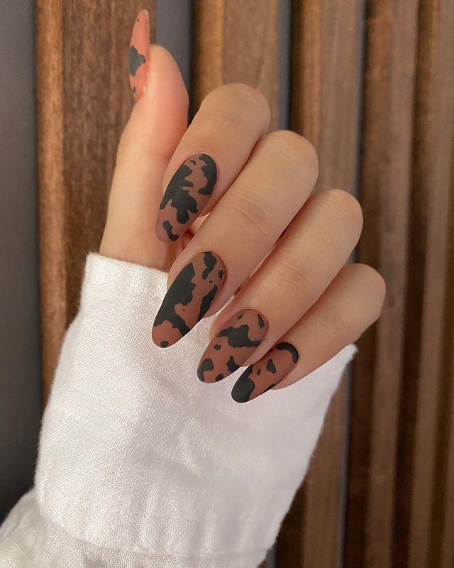 fall nails, fall nail designs, fall nails 2021, fall nail colors, fall nails acrylic, fall nails simple, fall nail art, fall nail ideas, simple fall nails, cute fall nails, cow print nail ideas, cow print nails