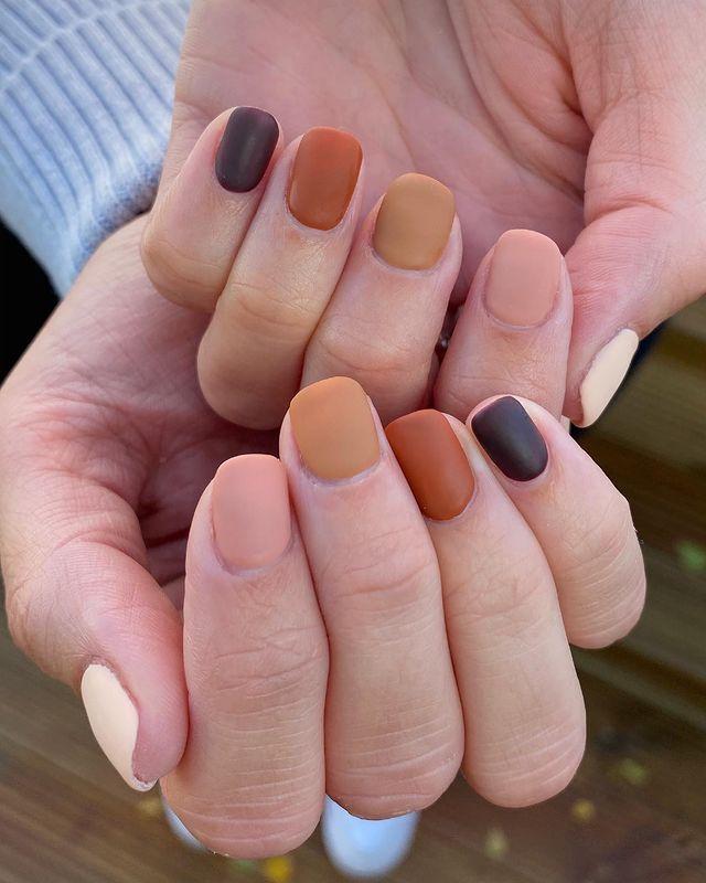 fall nails, fall nail designs, fall nails 2021, fall nail colors, fall nails acrylic, fall nails simple, fall nail art, fall nail ideas, simple fall nails, cute fall nails, matte nails, matte nail ideas