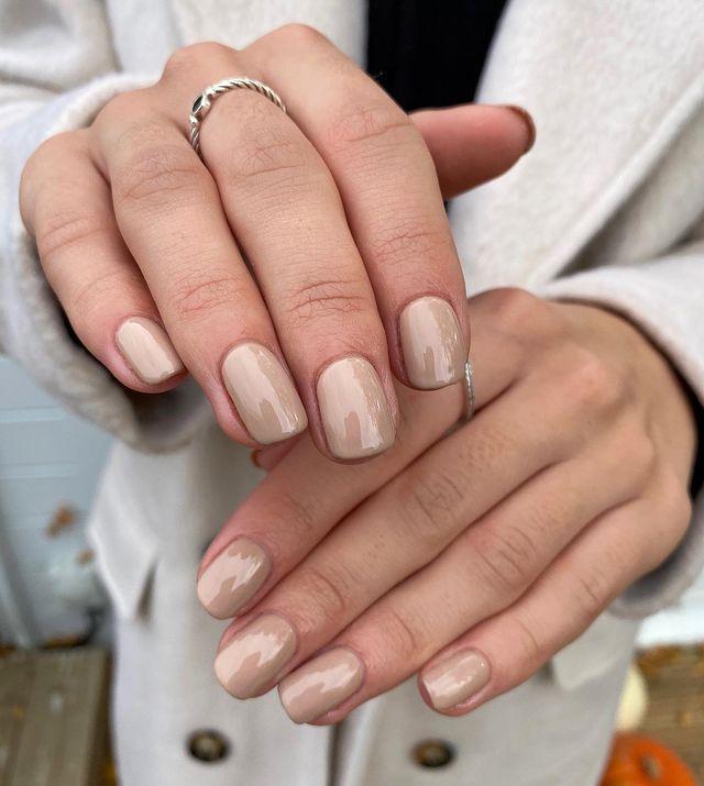 fall nails, fall nail designs, fall nails 2021, fall nail colors, fall nails acrylic, fall nails simple, fall nail art, fall nail ideas, simple fall nails, cute fall nails, neutral nails, beige nails